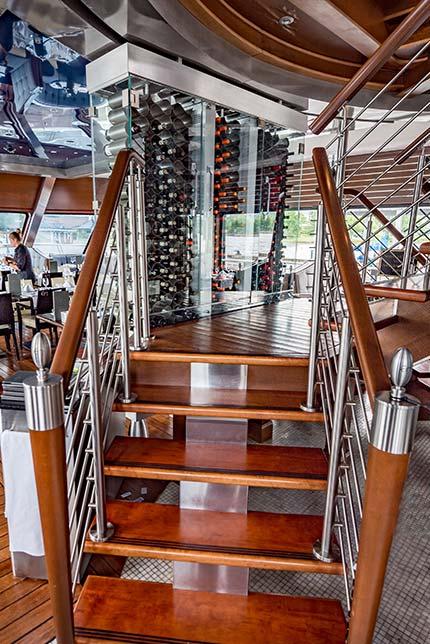 Cellier de vins du Grand Cru - Escapades Memphrémagog - Croisières en Estrie